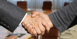 事業再構築補助金は誰に支援を頼むべき?